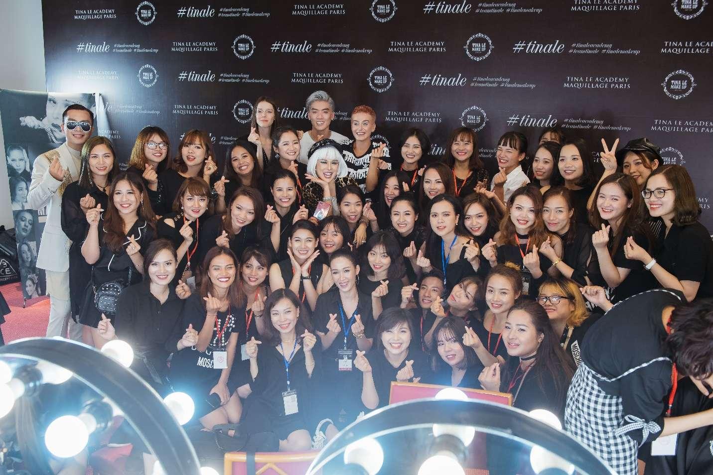 Tina Lê và team Make Up Artist tham dự sự kiện