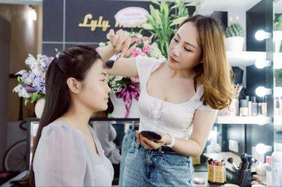 Hiện nay, Ly Ly đang làm chủ store mang thương hiệu Ly Ly Make Up