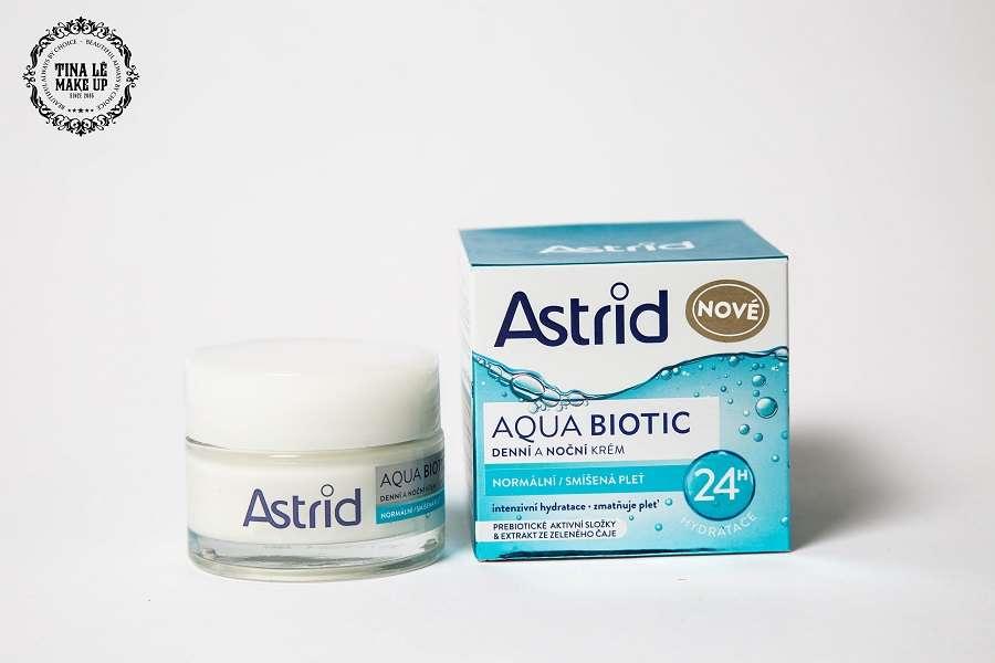 Kem dưỡng ẩm Astrid xanh