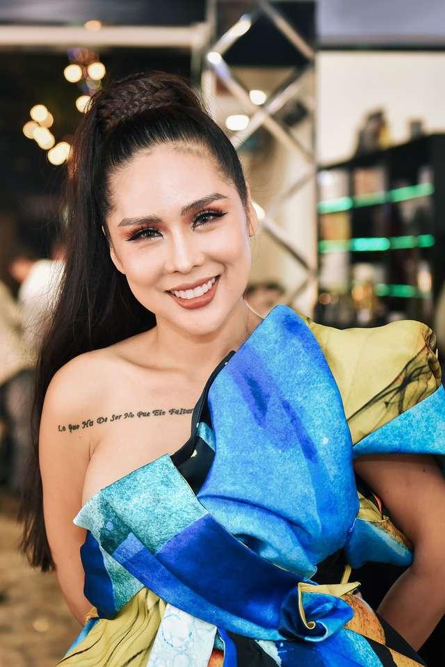 Tina Lê cái tên có lẽ không còn xa lạ gì đối với giới trẻ Việt Nam nói chung và giới Showbiz nói riêng.