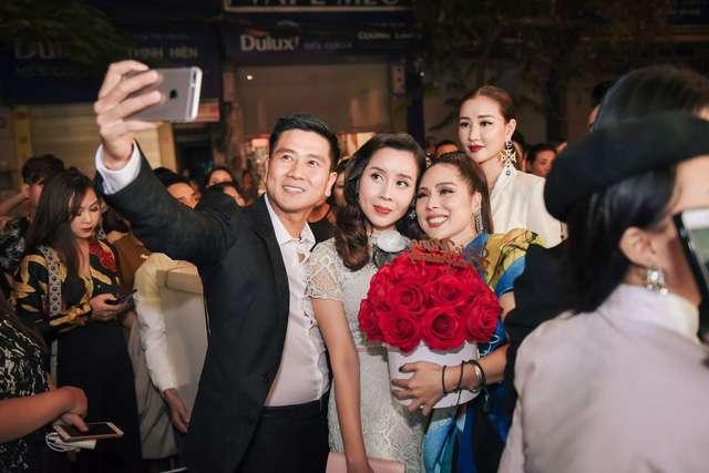 Tina Lê và vợ chồng ca sĩ Hồ Hoài Anh- Lưu Hương Giang