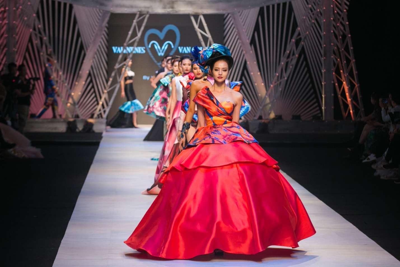 Tuần lễ thời trang quốc tế Việt Nam 2017 (Vietnam International Fashion Week – VIFW) - sự kiện thời trang lớn và chuyên nghiệp hàng đầu tại Việt Nam