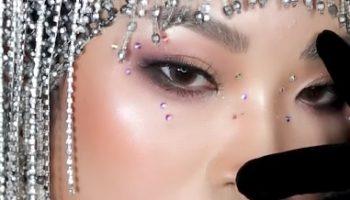 Tiết lộ cách trang điểm cho mắt xếch